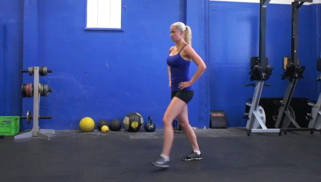 alternating lunges - step 3