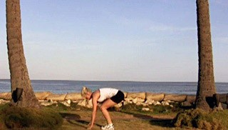 beach body weight burpee - step 3