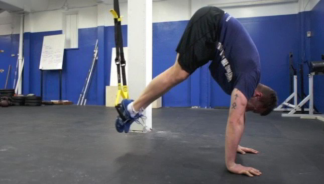 trx pike crunch exercise